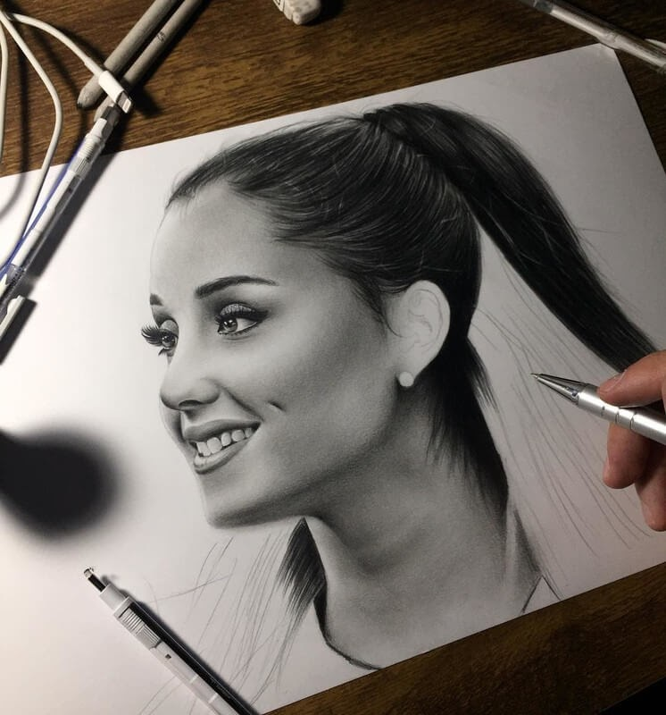 05-Ariana-Grande-Samuel-Ulysses-Celebrity-Portraits-in-Pencil-www-designstack-co