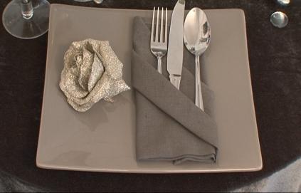 kahina events quelques astuces pour une jolie pr sentation de serviettes. Black Bedroom Furniture Sets. Home Design Ideas