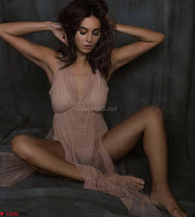 Shibani Dandkar in Bikini for her Instagram Stunning Pics ~  Exclusive Galleries 015.jpg