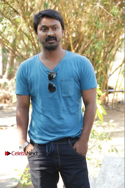 Vizhithiru Movie Press Meet Stills  0001.jpg