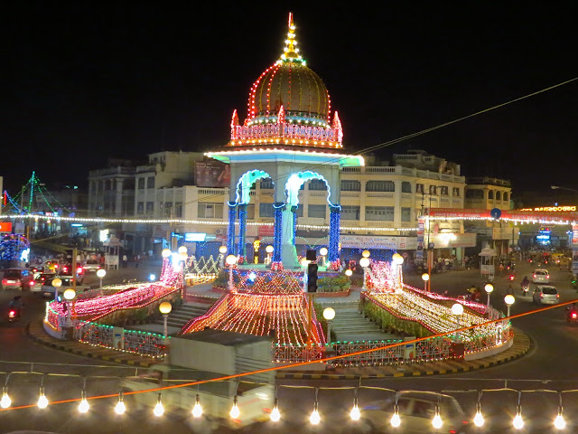 Statue-Circle-in-jaipur-in-night