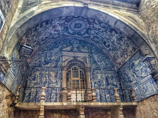Azulejos Porta Vila Obidos Portugal