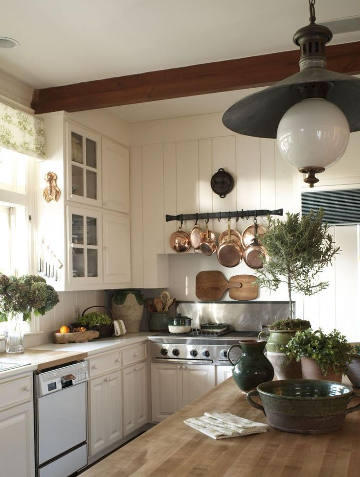 heathers country kitchen country kitchen w copper pots content in a cottage 1600