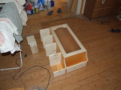подвесной кухонный шкаф