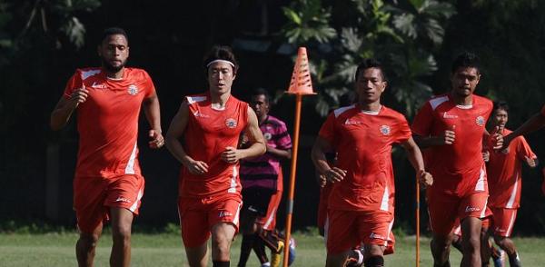 5 April, Persija vs Timnas Indonesia U-22 di Stadion Patriot Bekasi