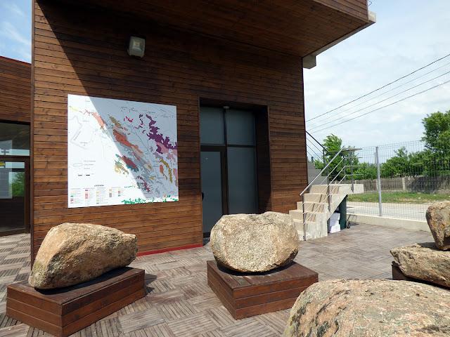 De vazut in Greci – Centrul de Informare – Vizitare pentru Muntii Macinului