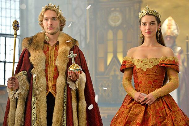reign-couronnement