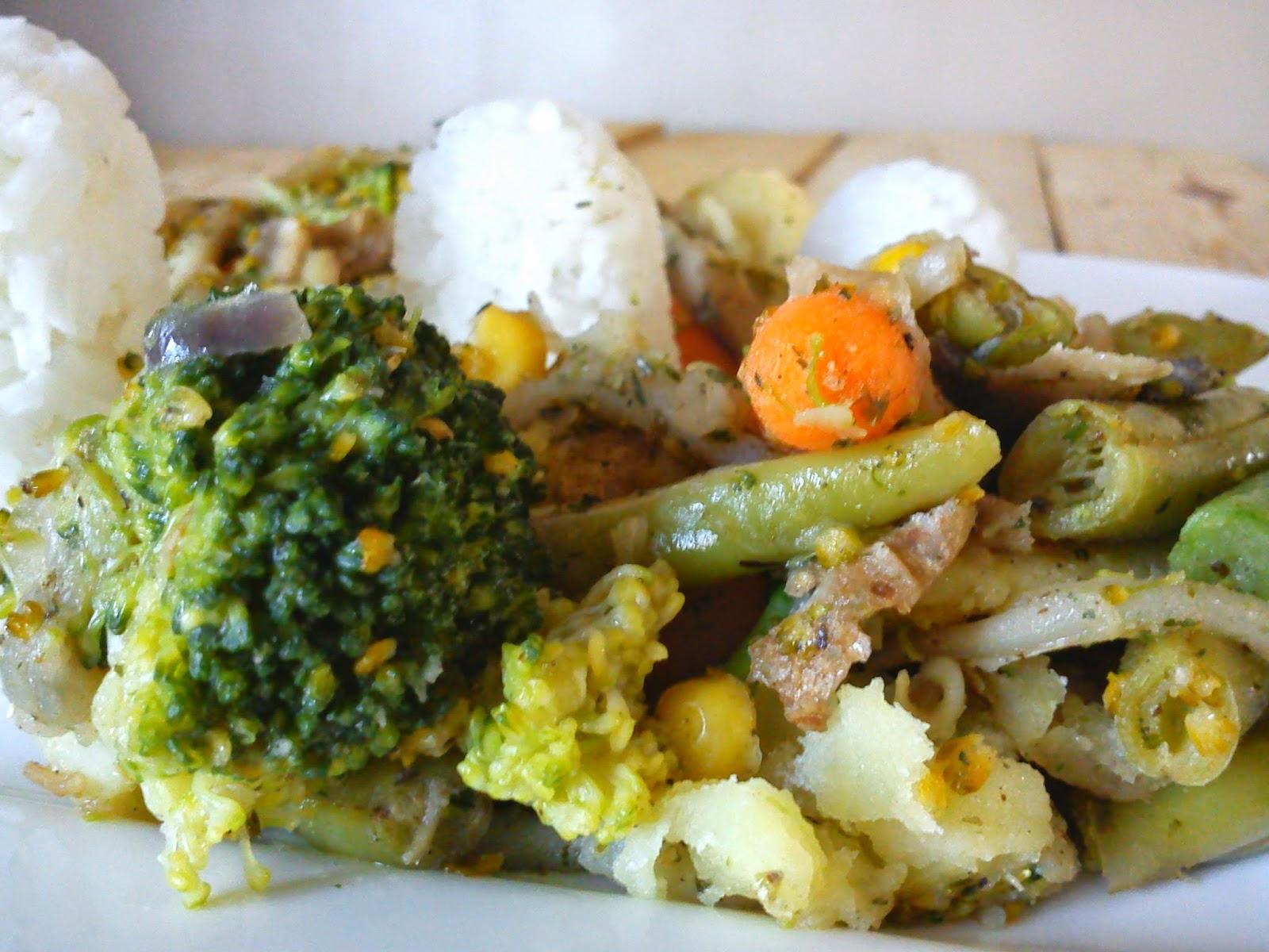 Warzywa z patelni z mieszanką ziół, po Grecku.