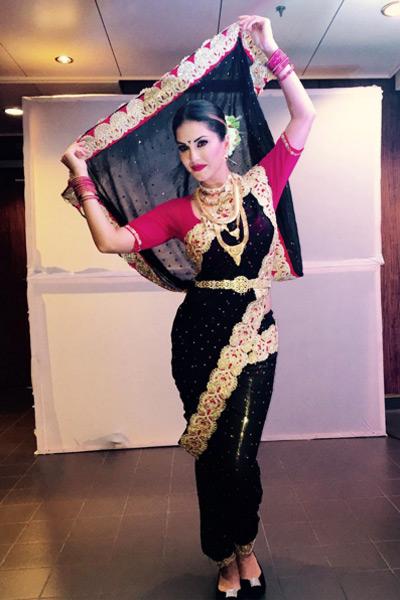 Hot & Sexy Sunny Leone Photos