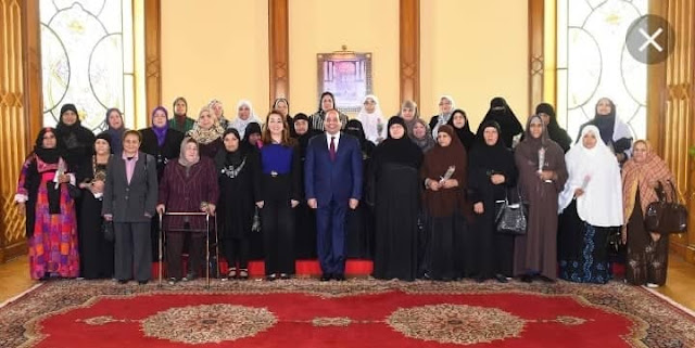 الرئيس السيسي يكرم الأمهات الفائزات
