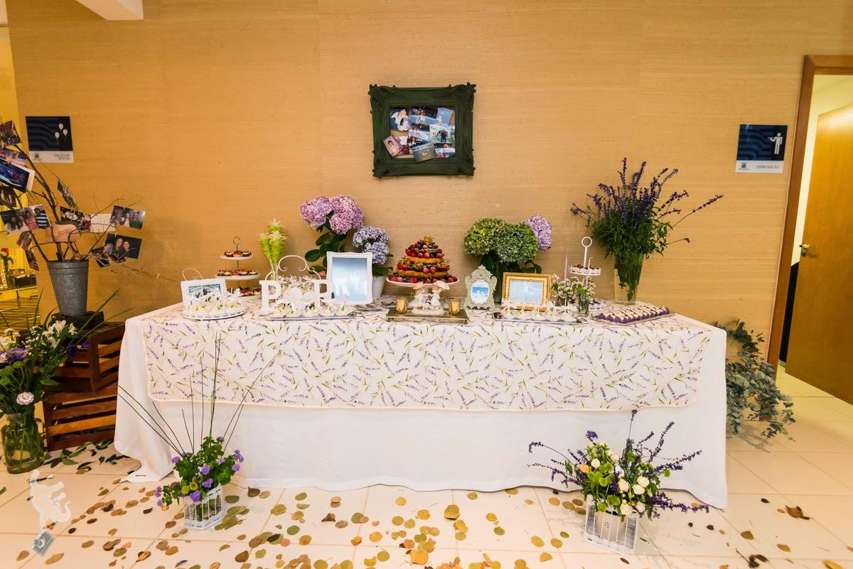 Noivado real surpresa decoração diy mesa do bolo