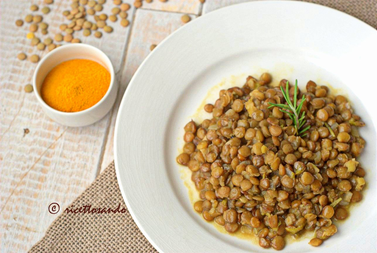 Lenticchie e curcuma ricetta vegetariana