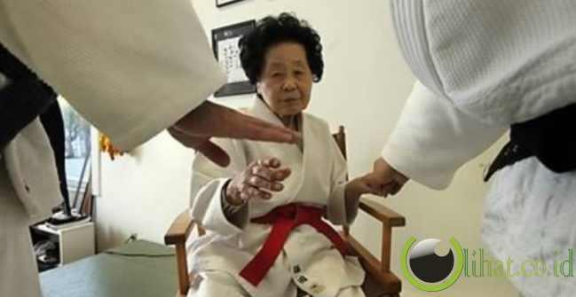 Nenek Atlet Judo