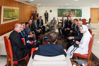 Representantes das Santas Casas de SP são recebidos por Bolsonaro