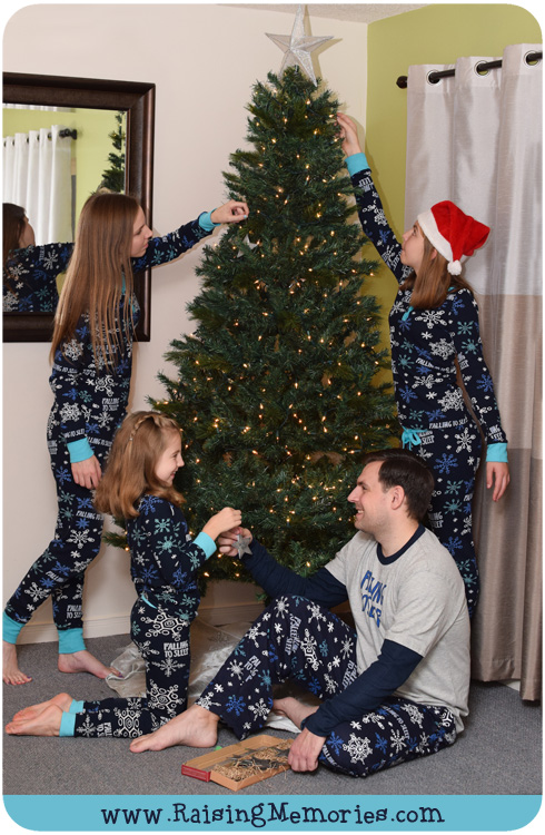 Christmas Pajamas Photoshoot.Behind The Scenes Of A Family Photoshoot