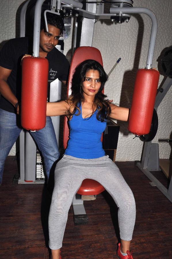 sexy aunty in gym