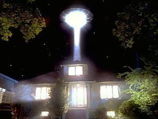 Alien abduction (http://thealientheories.blogspot.com)