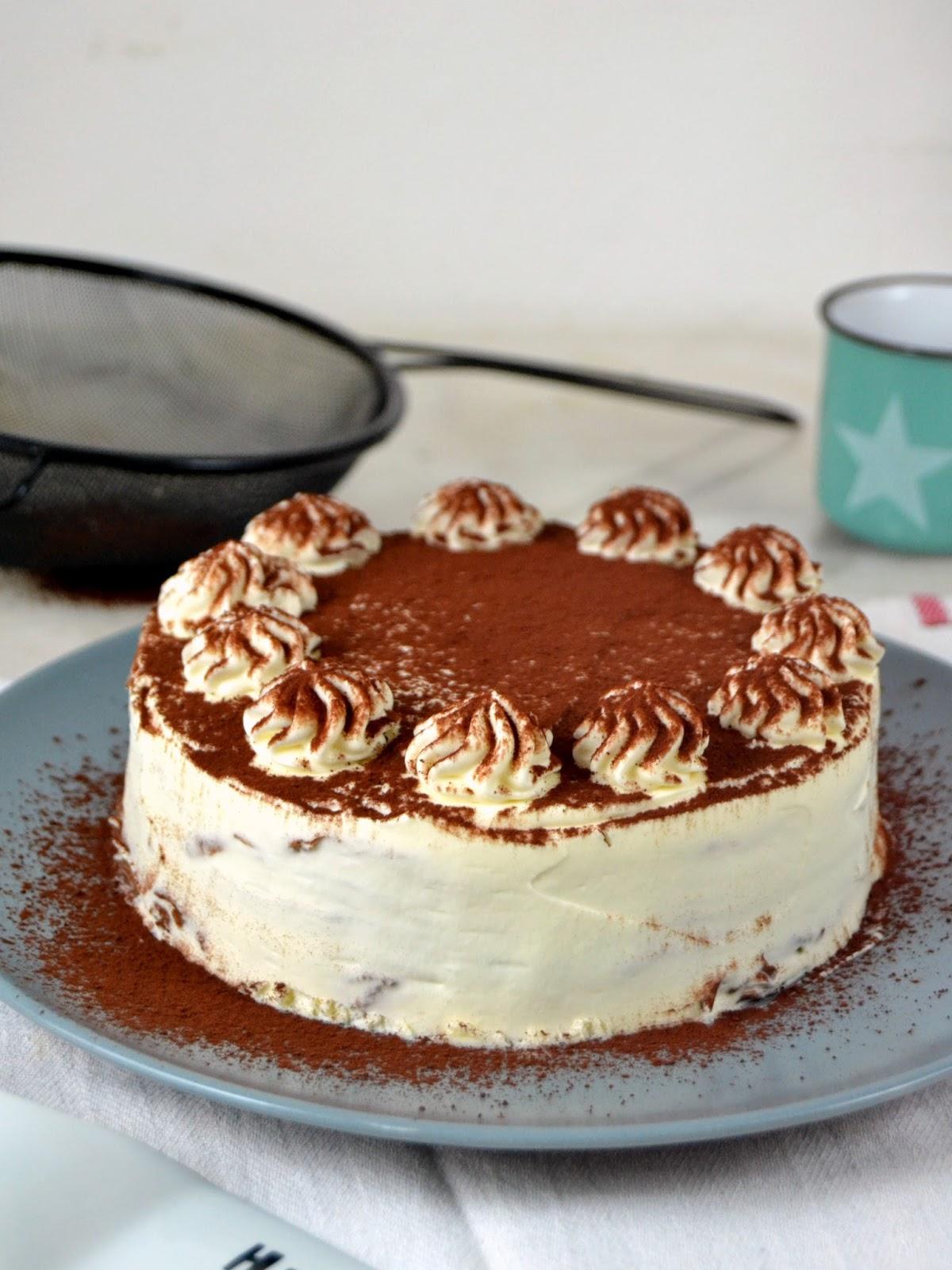 Tarta de crepes de chocolate y nata cuuking recetas de for Como hacer crepes de chocolate