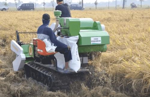 Bisnis Sewa Mesin Pertanian