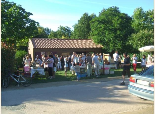 Bienvenida semanal con productores locales. Foto: Camping La Bretèche