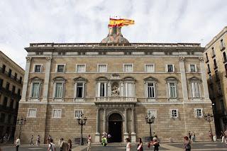 La Generalitat de Cataluña debe pedir también a Francia y Aragón la independencia