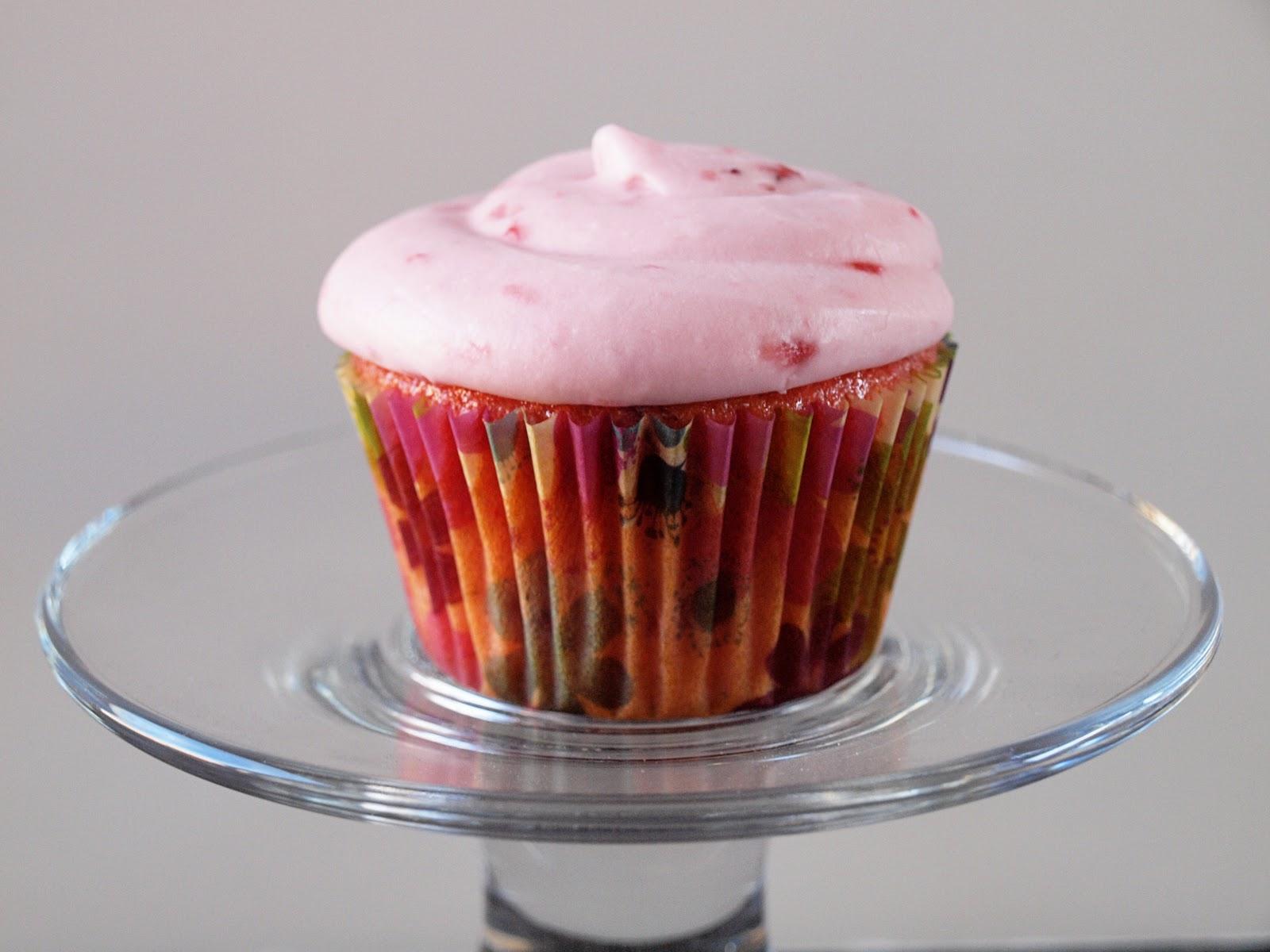 Mama Schell Says Fresh Strawberry Cupcakes