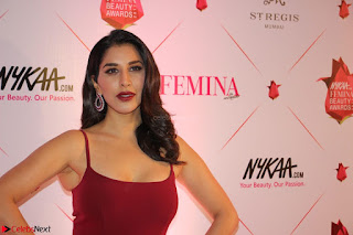 Bollywood Babes at Femina and Nykaa Host 3rd Edition Of Nykaa Femina Beauty Awards 2017 008.JPG
