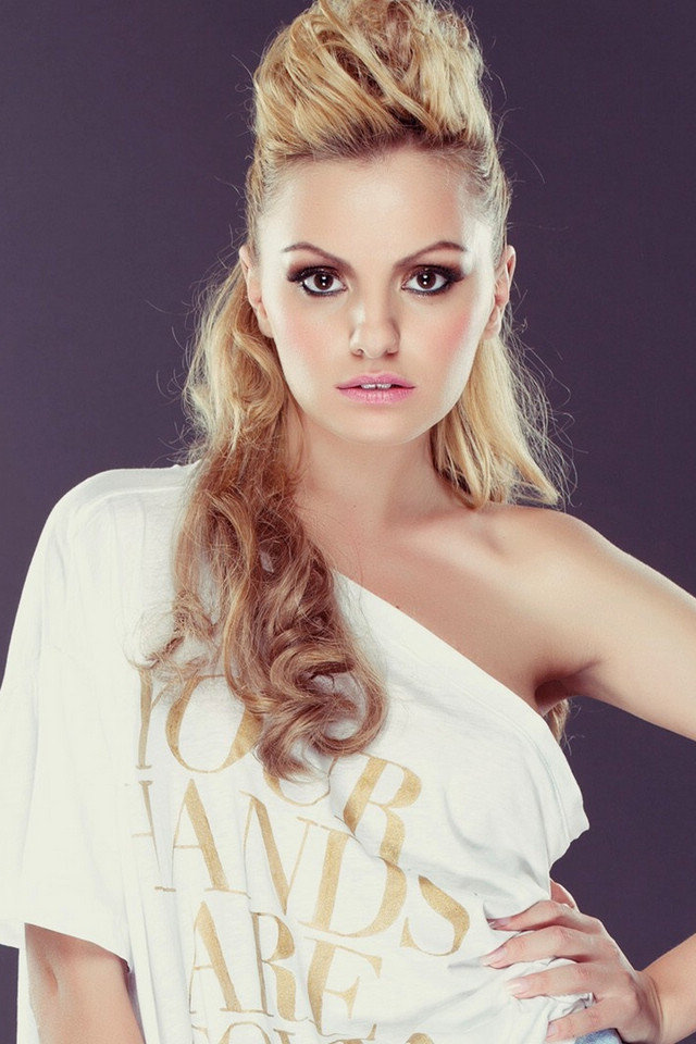 Hot Photo Gallery Romanian Singer  Model Alexandra Stan -5049