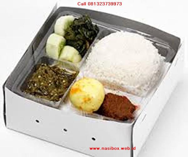 Nasi box rendang di ciwidey