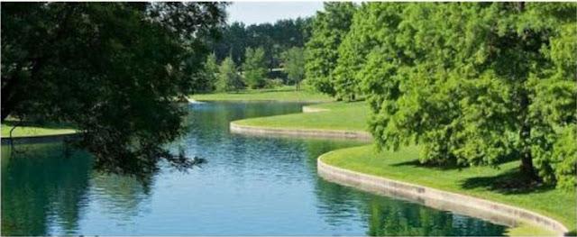 Hồ nước kết nối hai công viên