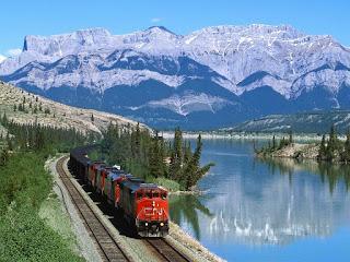 tren-bordeando-un-lago