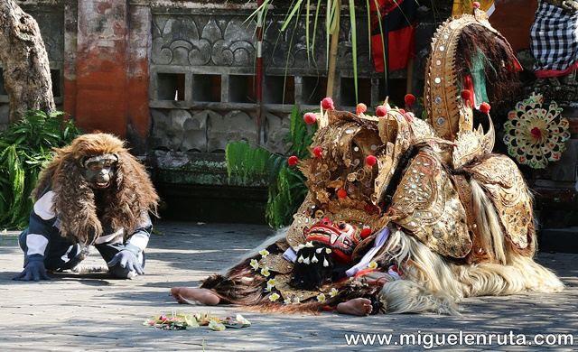 Barong-mono-Bali