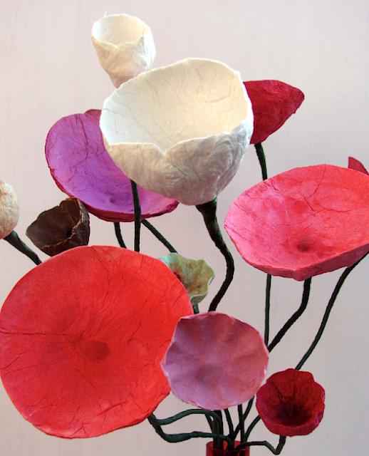 Eco Design. Centrotavola di Fiori di Cartapesta realizzati e dipinti a mano Alessandra Fabre Repetto