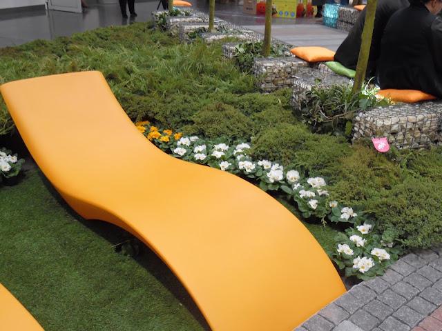 leżanka ogrodowa