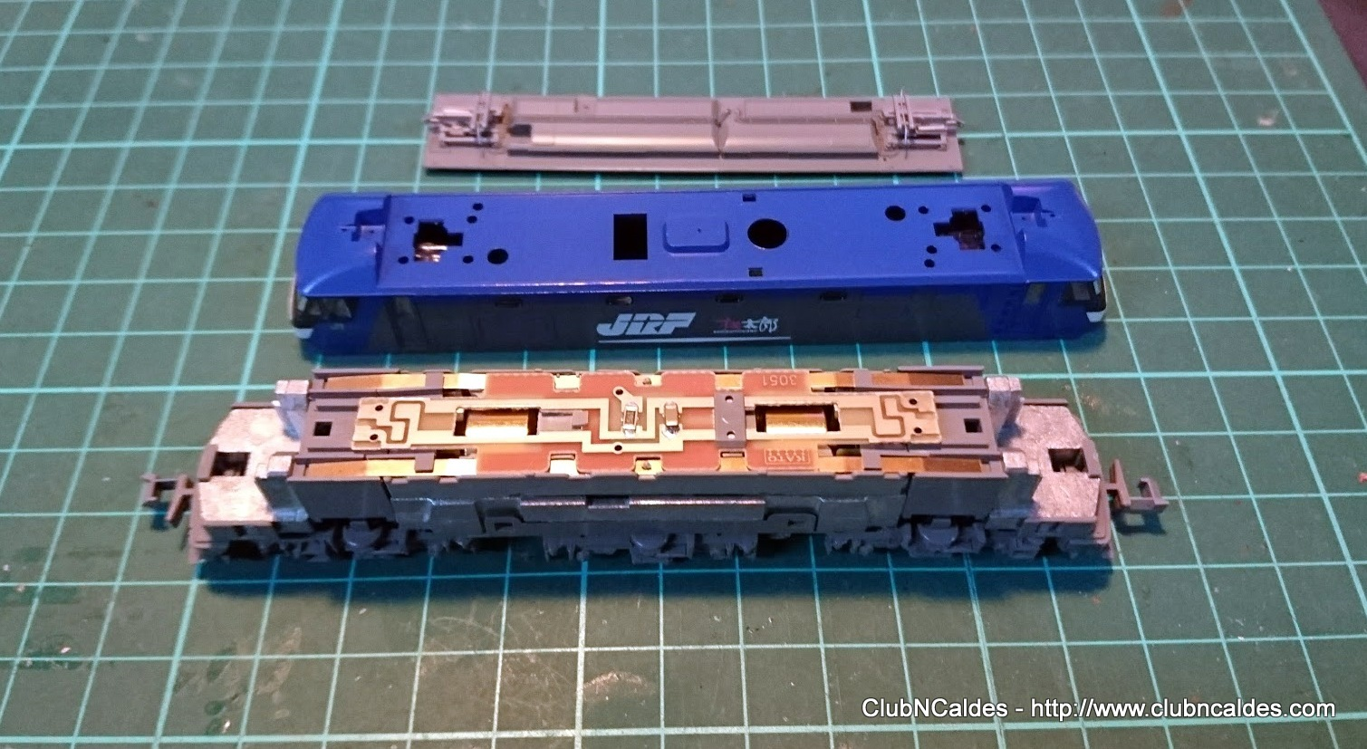 Club N Caldes Ef210 100 Kato 3034 3 Digitalization Dcc Track Wiring All Decoder Connections Will Be Done To The Board Except For Motor Plates Are At Level So There Is No Need Disassemble Locomotive