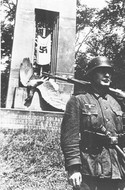 22 June 1940 worldwartwo.filminspector.com Compiegne Armistice France