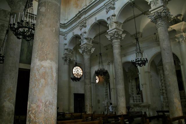 colonne, candelabri, chiesa, monumento, arcate
