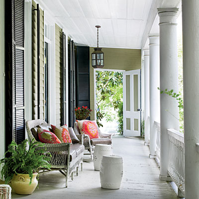 http://www.southernliving.com/home-garden/gardens/front-back-screen-porch-patio-00417000071944/page8.html