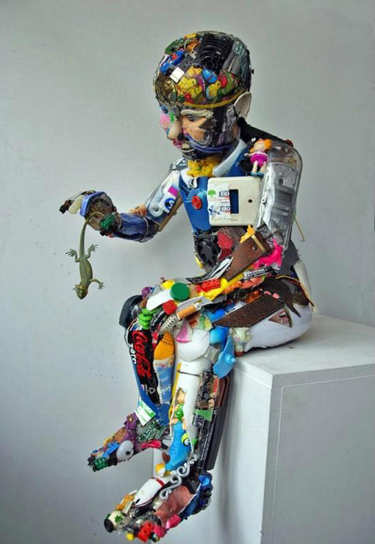 Garbage Art: Amazing Sculptures from Garbage wastes by Dario Tironi