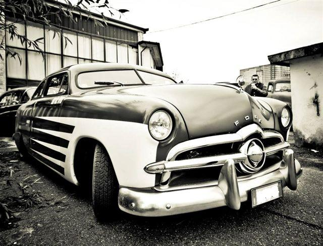 WISE GUYS C C : '49 Ford Shoebox    New toy for IURI