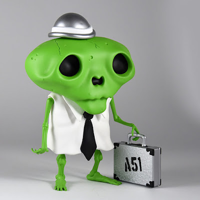San Diego Comic-Con 2016 Exclusive Area 51 Edition Karoshi San Vinyl Figure by Andrew Bell