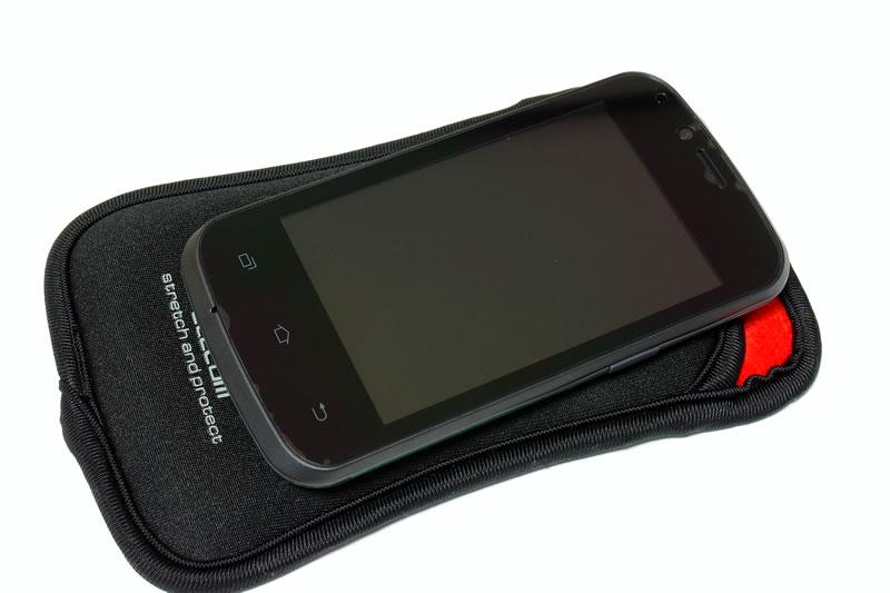 【Polaroid pigu】スマートフォン用ポーチ スリップインタイプ 2