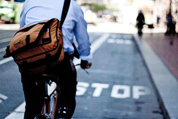 Tips Aman Bersepeda ke Tempat Kerja