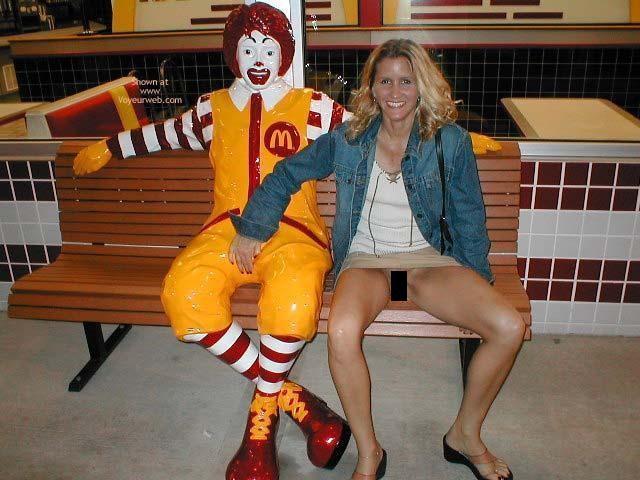 La escalofriante razón por qué el Payaso De McDonalds fue removido de todas las tiendas 15