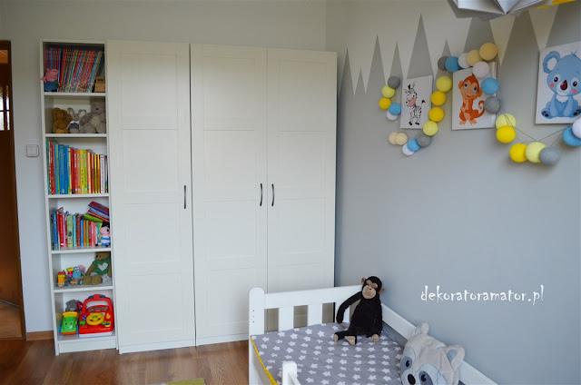 pokój chłopięcy pokój dziecięcy boys room kids room dekorator amator projekty wnętrz ikea styl pepco żółte dodatki białe meble tipi origami ikea