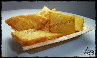 http://cucinaconlara.blogspot.it/2016/02/panelle-frittelle-di-farina-di-ceci.html