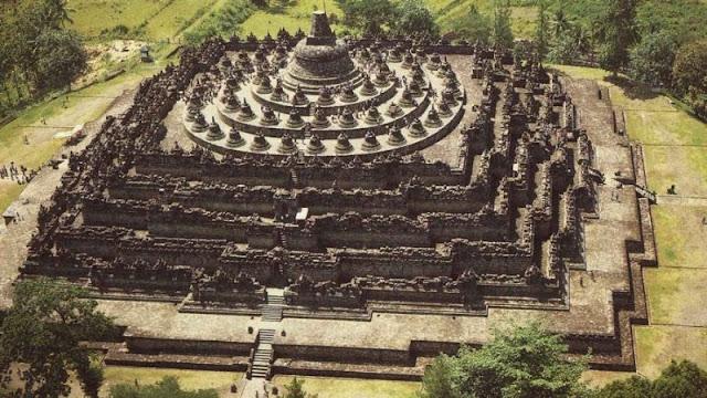 Tempat Bersejarah di Indonesia Candi Borobudur