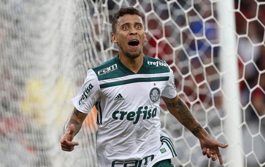 Palmeiras nega que Marcos Rocha estaria insatisfeito com a reserva e  poderia fazer o jogador voltar ao Atlético-MG 07fc3d63d4a17