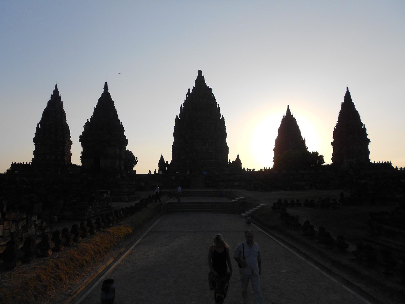 Wisata Kaya: Pengertian Wisata, Pariwisata, Kepariwisataan & Wisatawan