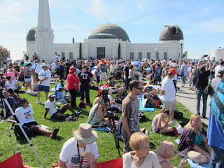 Crowd at Griffith Observatory
